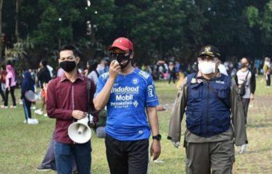 Wali Kota, H. Achmad Fahmi, ingatkan warga tetap patuhi protokol kesehatan. (Dokumentasi Humas Kota Sukabumi)